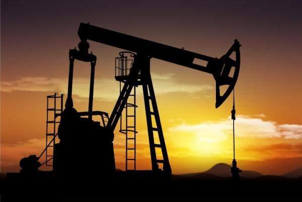 عقود النفط الصينية تنخفض 2.10% الى 62.15 دولار للبرميل