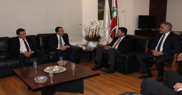 وزير الطاقة يبحث سبل التعاون مع وزير خارجية قبرص