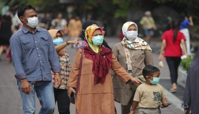 الحكومة الماليزية تعزز تمويل الرعاية الصحية لمواجهة زيادة إصابات كورونا