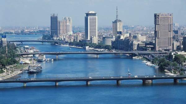 تحويلات المصريين في الخارج تنمو 3.1% في 2018 لنحو 25.5 مليار دولار