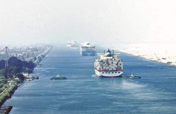 39 سفينة تعبر المجرى الملاحي لقناة السويس