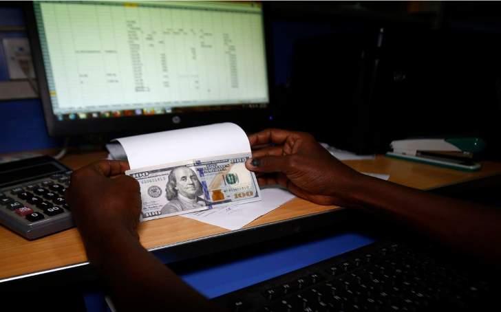 السودان يواصل مزادات العملة الأجنبية والجنيه يتراجع في السوق السوداء