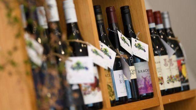 """""""خيبة أمل"""" أسترالية بعد قرار الصين فرض رسوم على نبيذها"""