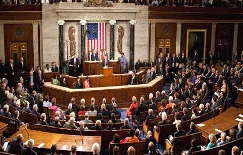 """مجلس النواب الأميركي يهدد بإطاحة الشركات الصينية من """"وول ستريت"""""""