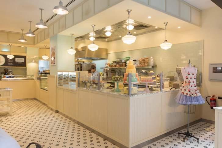 """أكبر مقهى """"ماغنوليا بيكري"""" في العالم يفتح أبوابه في أبوظبي"""