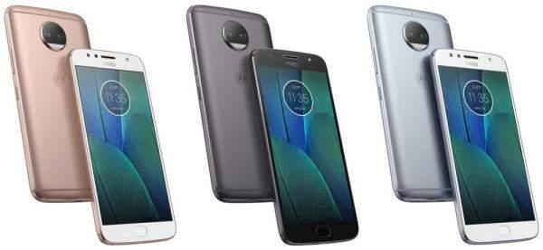 """هذه ميزات الهواتف """"Zenfone 4 Selfie""""..""""Selfie Pro"""" و""""Moto X4"""" الجديدة!"""