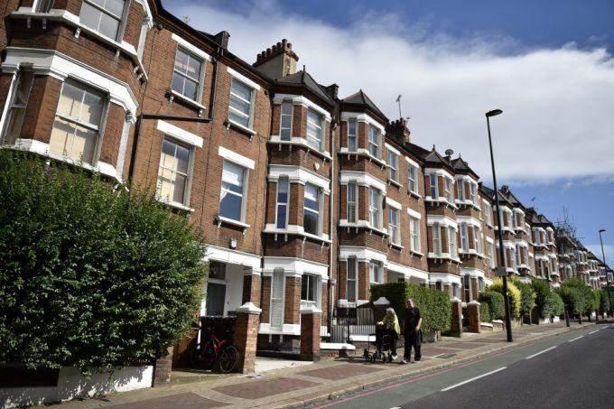 أسعار المنازل في المملكة المتحدة تنخفض خلال كانون الثاني