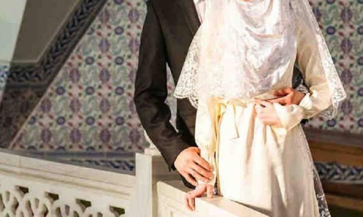 ما هي الشروط التي تستطيع المرأة وضعها في عقد الزواج لدى الطوائف الإسلامية؟ وهل بإمكانها أن تكون شاهدة؟