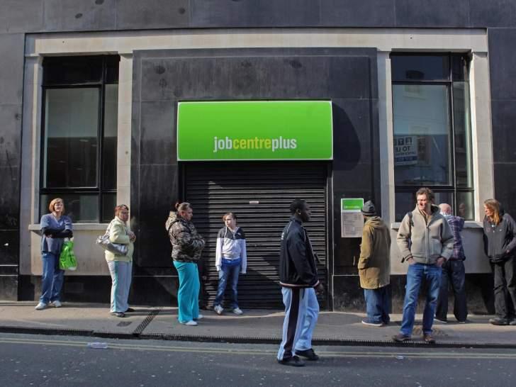 معدل البطالة في بريطانيا يرتفع لأعلى مستوى منذ 2016