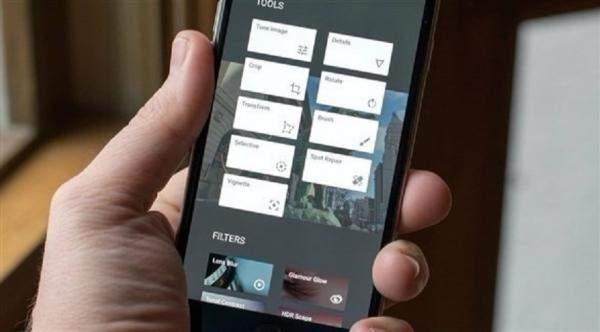 """""""أمازون"""" تتيح تجربة الملابس إفتراضيًا و""""غوغل"""" توفر محرر صور احترافي"""
