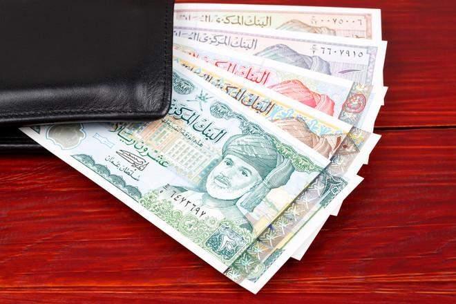 """تراجع إيرادات سلطنة عمان 31% في الربع الأول بسبب """"كورونا"""" والنفط"""