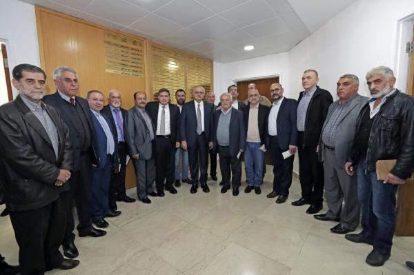 """خليل سلّم مساهمات من """"الريجي"""" إلى 16 بلدية: لم يعد ثمّة مفرّ من إطلاق إصلاح مالي حقيقي"""