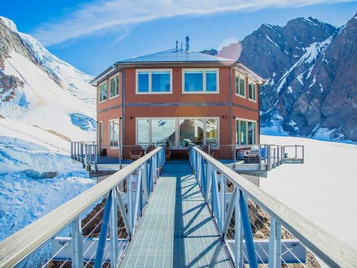 بالصور: مقابل 25 ألف دولار في الليلة… يمكنك استئجار شاليه فاخر في ألاسكا