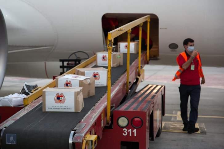 """المزيد من الطائرات المحمّلة بالمساعدات تصل إلى """"مطار بيروت"""""""