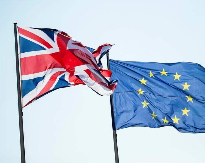 بريطانيا تنشر نص إتفاقها التجاري مع الإتحاد الأوروبي