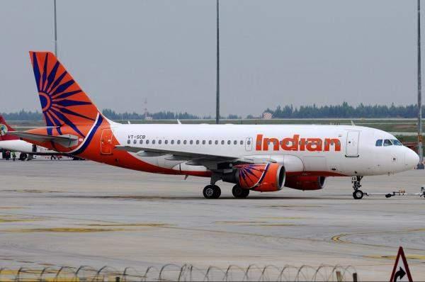 """تأخررحلة لـ""""Air India"""" لساعات بسببسرب من النحل"""