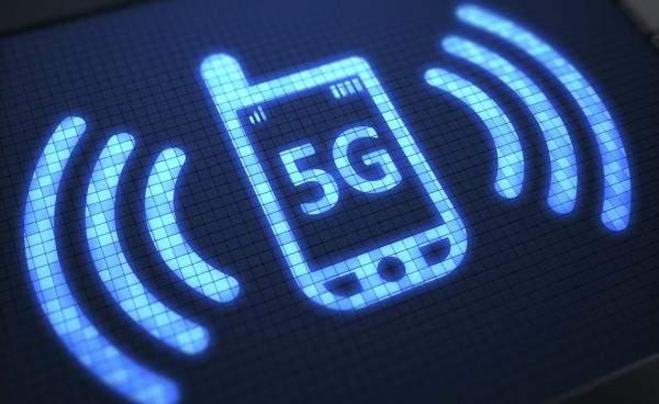 """علماء يحذرون من خطورة شبكات الجيل الخامس """"5G"""""""