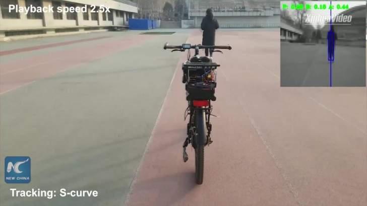 تطوير دراجة صينية ذاتية التحكم يمكنها تحقيق التوازن مع تجنب العقبات