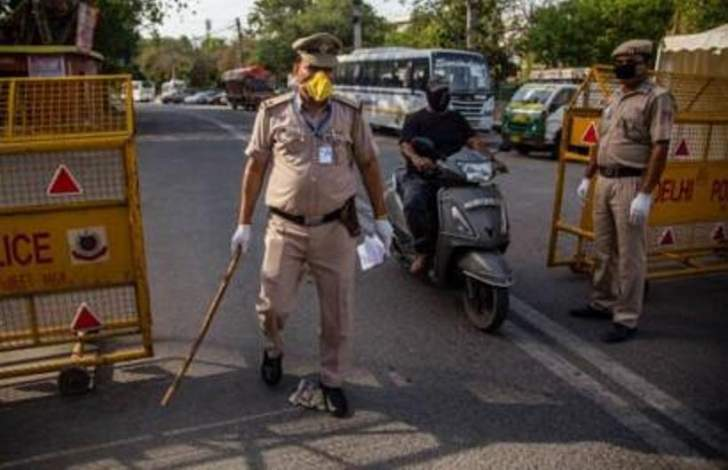 الولايات المتحدة تعتزم تقييد السفر من الهند مع قفزة إصابات الوباء