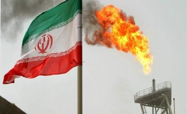 مصادر:أميركا تسعى لخفض صادرات النفط الإيراني إلى دون مليون برميل يوميا اعتبارا من آيار