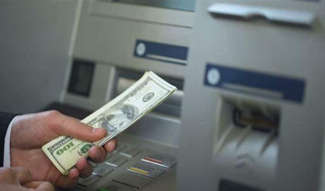 """هل فضحت """"أزمة"""" شحّ الدولار المستور؟"""