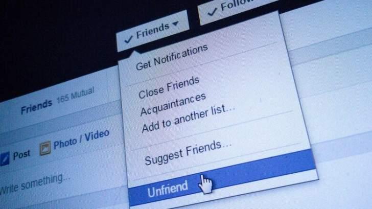 """4 أسباب تدفعك لإلغاء الصداقة مع الناس في يوم الـ""""Unfriend"""""""