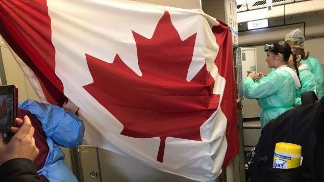 """كندا تمدد خطة تحفيزية وسط موجة ثالثة من الإصابات بـ""""كورونا"""""""