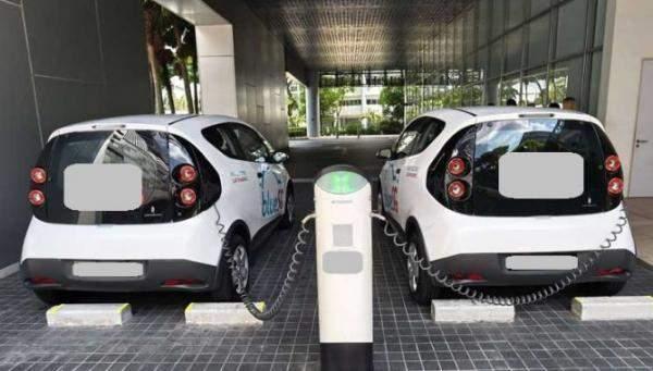 بايدن: لن نسمح للصين بالفوز في سباق السيارات الكهربائية