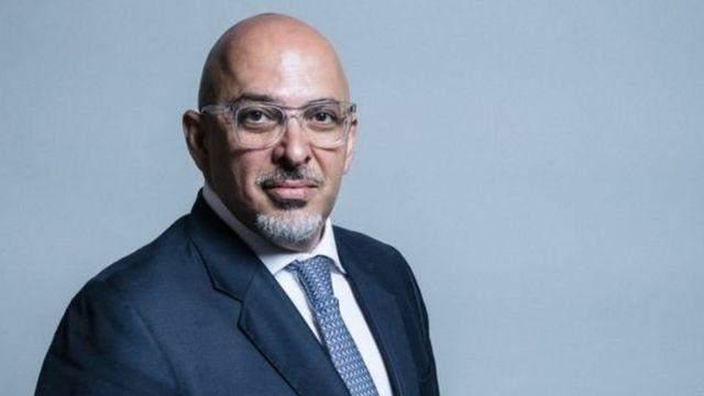 """جونسون يعين العراقي ناظم الزهاوي وزيراً مسؤولاً عن توزيع لقاح """"كورونا"""""""