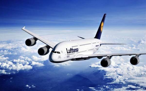 """إلغاء عشرات الرحلات في مطارات ألمانية بعد إضراب طواقم تابعة لـ""""لوفتهانزا"""""""