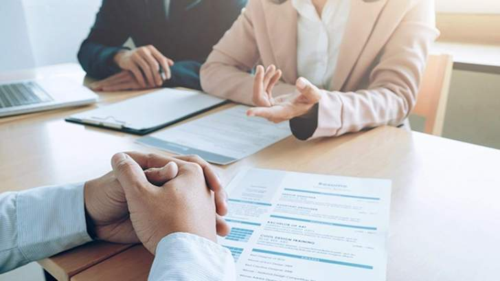 """سؤال من 5 كلمات تطرحه """"Salesforce"""" في كل مقابلة عمل... و9 أسئلة أخرى للتعرف الى أقوى المتقدمين!"""