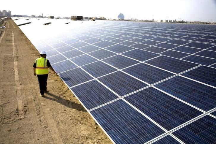 """""""توتال"""" تستثمر 2.5 مليار دولار في الطاقة الشمسية بالهند"""