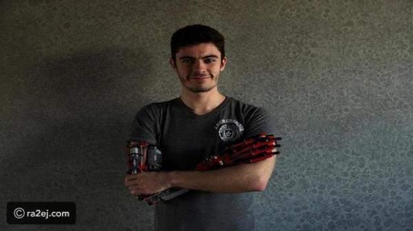 """شاب إسباني يصنع ذراعاً اصطناعية من مكعبات الـ""""ليغو"""""""