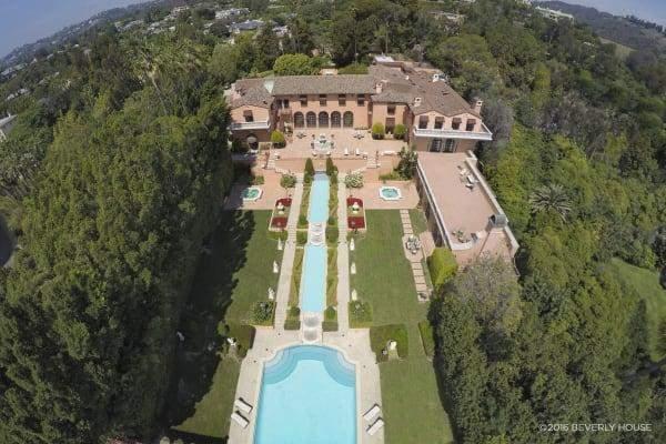 """قصر في """"بيفرلي هيلز"""" للبيع مقابل 135 مليون دولار"""