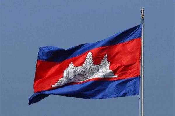"""ركاب سفينة ينزلون في كمبوديا بعد رفض 5 دول إستقبالها لمخاوف من """"كورونا"""""""