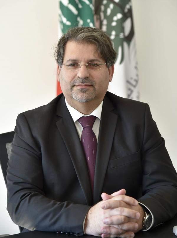 """د.عجاقة لـ""""الاقتصاد"""": لا خوف على الليرة اللبنانية أبداُ"""