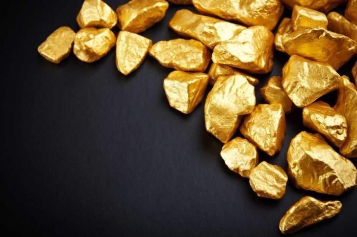 الذهب يرتفع هامشياً ويسجل 1913 دولاراً للأوقية