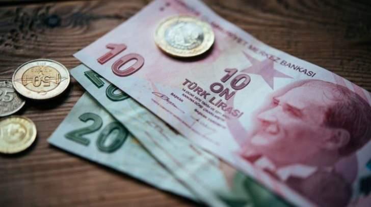 الليرة التركية تواصل التّراجع بضغط من انخفاض احتياطات العملة الأجنبية