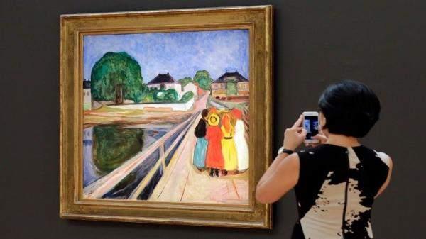 لوحة تحطم الرقم القياسي كأعلى سعر لفنان على قيد الحياة
