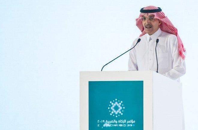 وزير المالية السعودي يتوقع نموا سلبيا للقطاع الخاص غير النفطي هذا العام