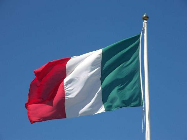 """ازمة الديون والخلاف الحكومي يعمّقان المعضلة الاقتصادية في ايطاليا و""""فيتش"""" تزيد آلام الاقتصاد المريض"""