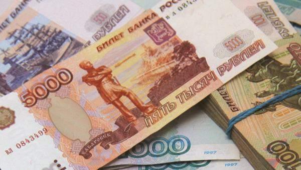 الروبل الروسي ينتعش أمام الدولار بعد ثلاثة أيام من التراجع