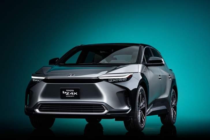 """""""تويوتا"""" تكشف عن نموذج مبدئي لسيارة رياضية متعددة الأغراض كهربائية"""