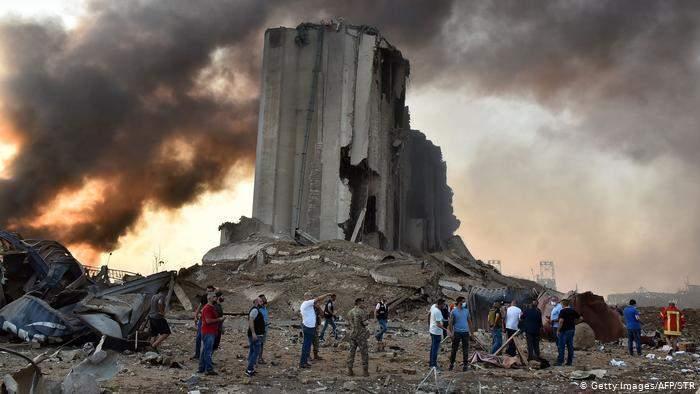 إرتفاع في سعر صرف الدولار بعد إنفجار مرفأ بيروت