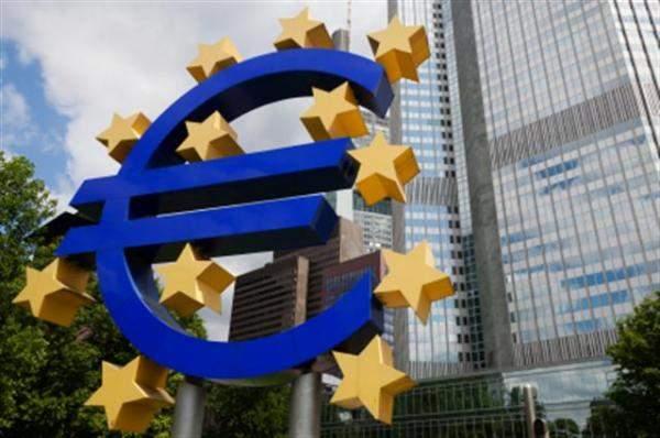 المركزي الأوروبي يتطلع لحزمة تحفيز في ظل مؤشرات على نمو أضعف