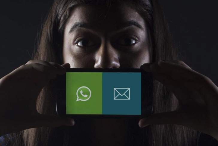 """خبراء: للتوقف عن استخدام رسائل الهاتف النصية واستبدلها بمحادثات """"واتساب"""""""