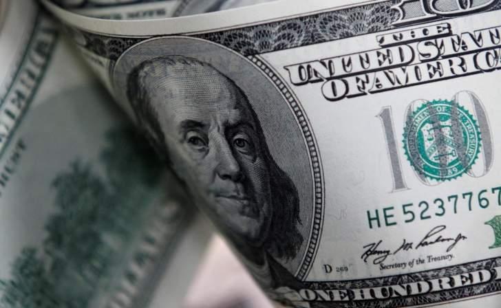 الدولار يتراجع أمام العملات الرئيسية مع تصاعد الخلاف بين أميركا والصين