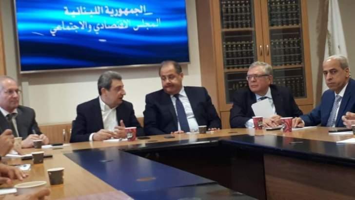 أبو فاعور بعد اجتماع المجلس الاقتصادي والاجتماعي: الصناعيون والتجار جاهزون لمساعدة البلدات المنكوبة من الحرائق