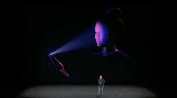 """تقنية جديدة للتعرف على الوجه وأخرى للكشف عن أمراض القلب عبر """"أيفون"""""""