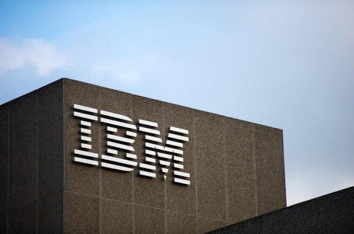 مبيعات شركة IBM زادت 13%إلى 7 مليارات دولار بالأشهر الثلاثة الماضية